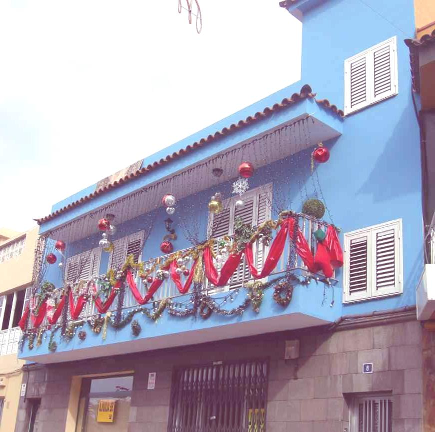 Decoracion navide a para balcones - Decoracion balcones ...
